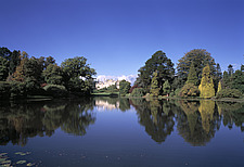 Lake and trees at Sheffield Park Gardens, East Sussex - East-Sussex, UK - 37548-10-1