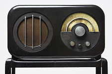 Ekco AC85 Radio Receiver and Stand, 1934, manufactured by E - 12529-570-1