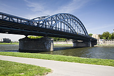The famous Pilsudski Bridge, a metal construction over the Vistula River that the Jews walked over when moved into the ghettos on Podgorze in Krakow,... - 12882-120-1