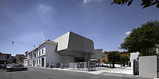 Street view of the MAXXI, National Museum of 21st Century Arts, Rome - 12857-150-1