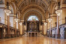 The impressive organ and protective timber floor in The Great Hall, St Georges Hall in Liverpool, Merseyside, England, UK - 13238-600-1