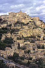 Vaucluse, 9th century fortified town of Gordes - 13246-110-1
