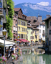 Haute-Savoie, Annecy, the Thiou river flowing through the historical town center - 13246-20-1