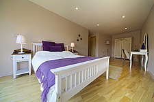 Double bedroom in 419 Wick Lane, London - 14853-130-1