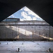 The floating bridges of the Danish Maritime Museum inside the dock at Helsingor, Denmark, by BIG Architects - 15094-90-1