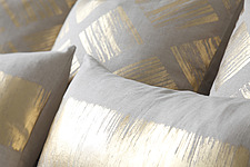 Detail of linen cushions with gold pattern - 15956-80-1