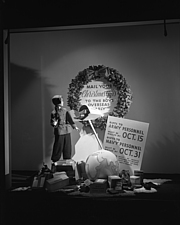 Window displays at Marshall Field and Company, including the 28 Shop, 1943 Oct - 70872-80-1