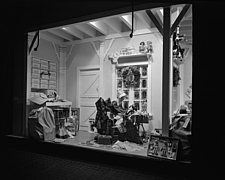 Window displays at Marshall Field and Company with toys, 1943 Dec - 70889-20-1