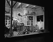 Window displays at Marshall Field and Company with toys, 1943 Dec - 70889-40-1
