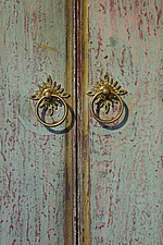 Circular door handles on Balinese door with patina - 16285-230-1