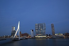 Cityscape of Rotterdam with De Rotterdam by Rem Koolhaas/OMA and Erasmusbrug bridge by architect Ben van Berkel - 16368-350-1