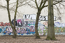 Wall with graffiti, Berlin - 12106-40-1