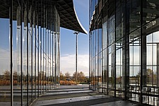 Ground floor glass facades of Deutsche Post tower, Architects Murphy and Jahn (Chicago) with the collaboration of Werner Sobek (Stuttgart), 2000-2002,... - 40086-410-1