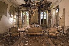 The drawing room in an abandoned villa in Belgium - ARC101333