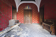 a room in a beautiful abandoned castle in France - ARC101338