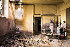a room in a beautiful abandoned castle in France - ARC101347