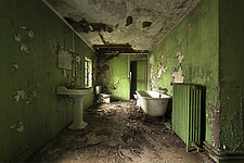 the green bathroom in an abandoned castle in France - ARC101350