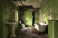 a green Bathroom in an abandoned castle in France - ARC101351