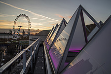 The roof of the newly refurbished Hayward Gallery, a world-renowned contemporary art gallery and landmark of Brutalist architecture on London's South... - ARC102063