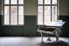 Abandoned Piano in a room in the also abandoned medical complex of Beelitz in Germany - ARC102854