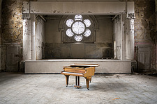 Abandoned Piano in a room in the also abandoned medical complex of Beelitz in Germany - ARC102855