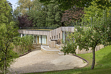 Exterior of Ashbrook House, a contemporary family eco-house in Blewbury, South Oxfordshire, UK - ARC102947