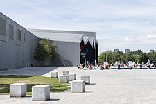 Riverside Museum by Zaha Hadid Architects is the Transport museum for Glasgow on the bank of the river Clyde - ARC107390