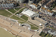 King George V Colonnade and De La Warr Pavilion, Bexhill, East Sussex - ARC108156